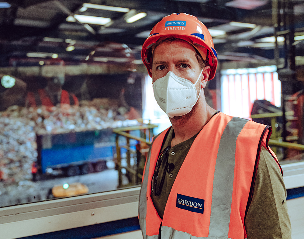 Sebastian Vettel had the opportunity to see how waste is recycled when he visited Grundon's Materials Recovery Facility on Monday. © Sebastian Vettel